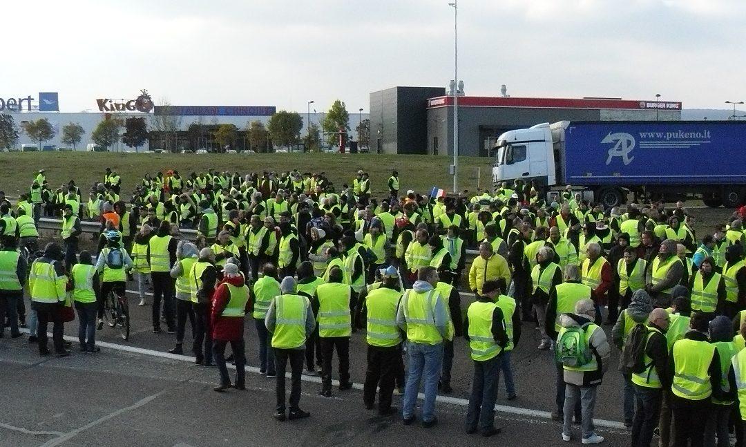 """""""Gilets Jaunes"""" rufen zum Kampf auf"""