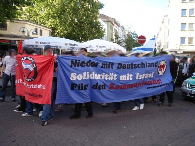 [Bild: Anti-German_communist_protesters_in_Fran...n_2006.jpg]